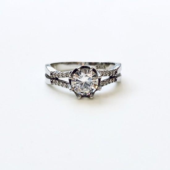 Дамски сребърен пръстен с цирконии  SR1020